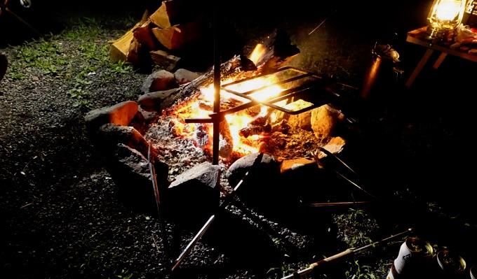 直火の焚き火