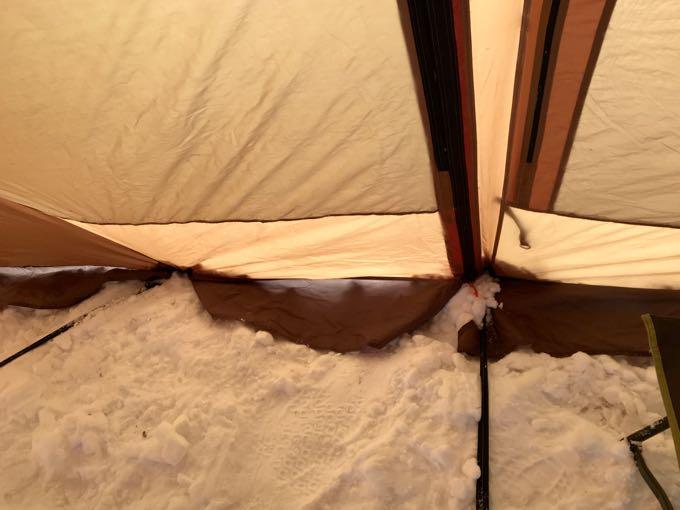 雪中キャンプ スカート