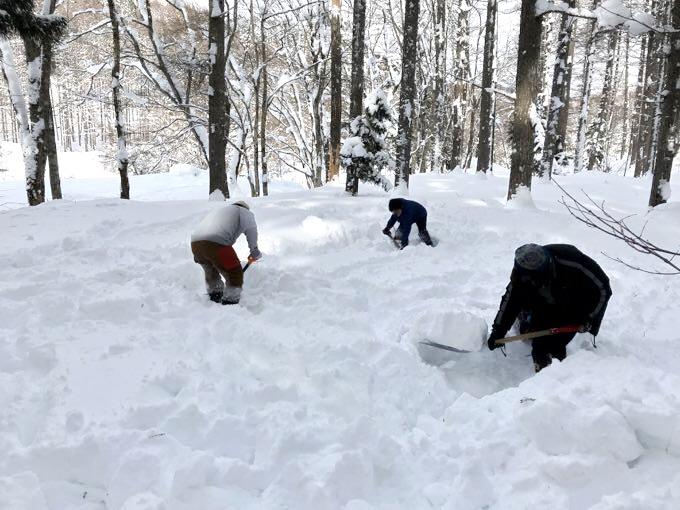雪中キャンプ 設営