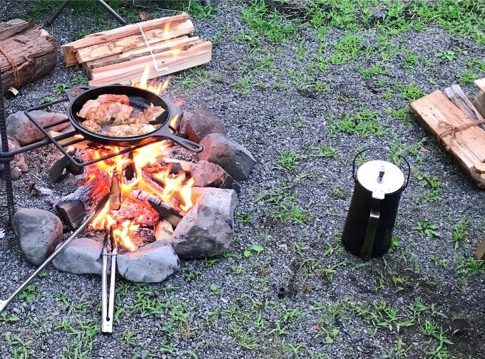 焚き火とキャンプケトル