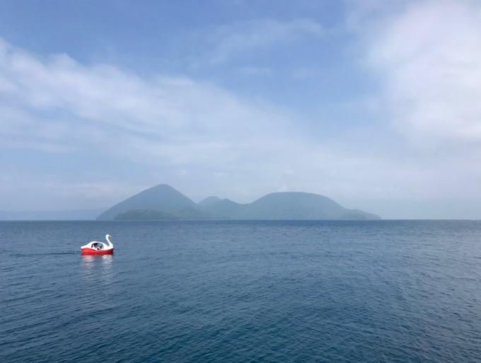 洞爺湖とスワンボート