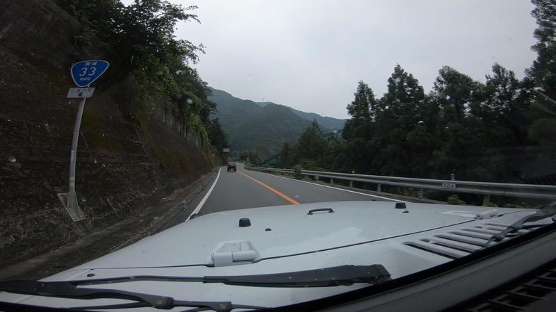 国道33号は、常に2車線で安心です。