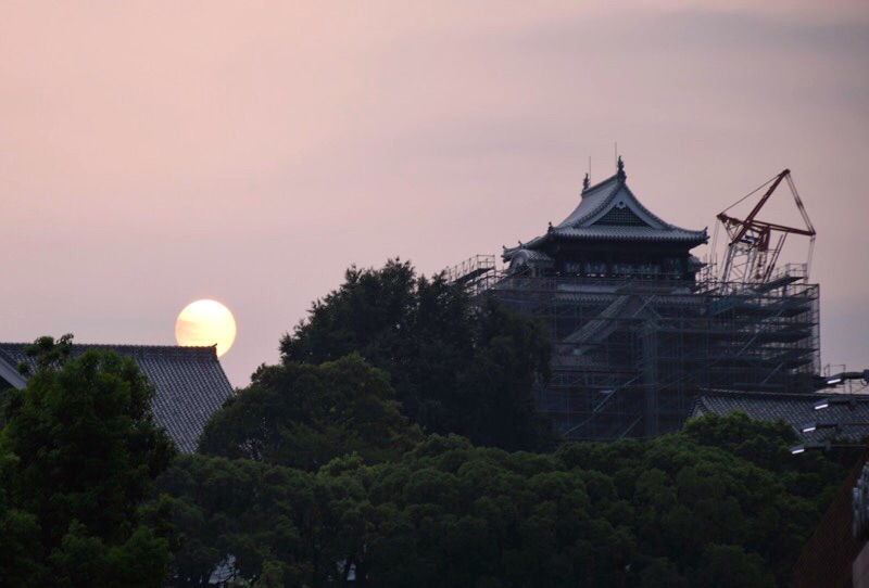 夕日の熊本城