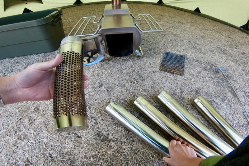 薪ストーブ煙突の片付け