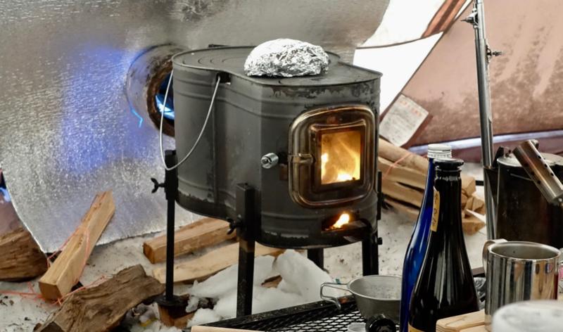 薪ストーブの上に置いておくだけで一品料理が出来上がります。