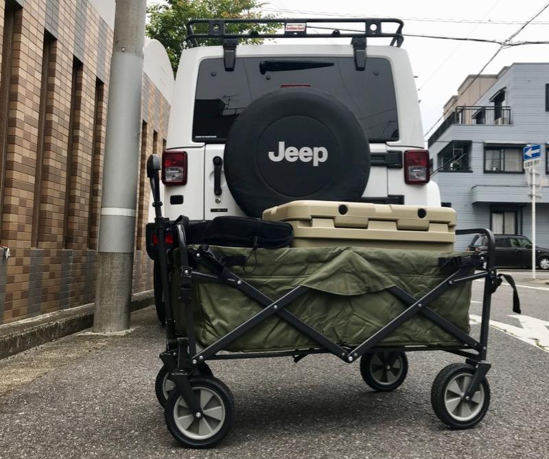 テントファクトリーキャリーワゴン車への荷物の出し入れ