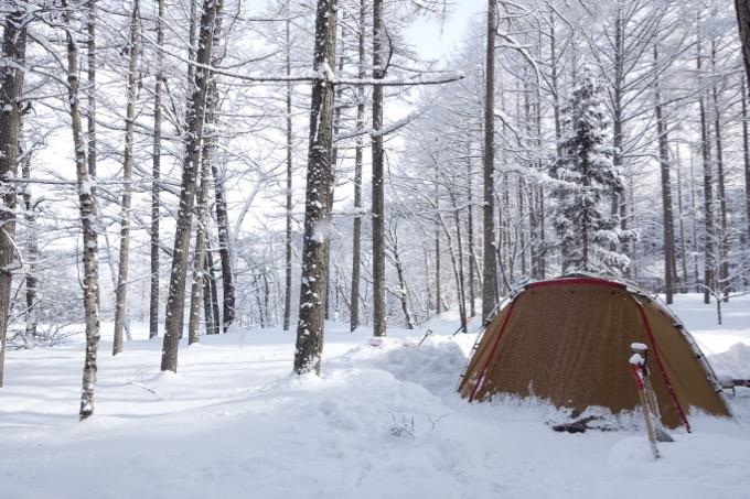 冬キャンプ 雪中