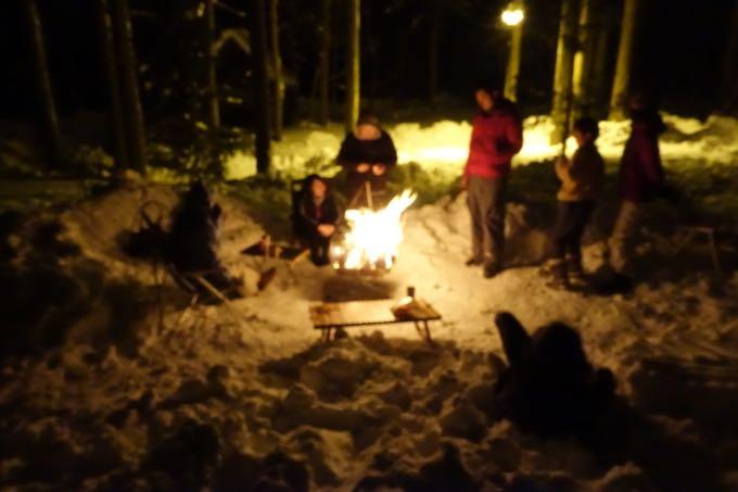 雪中キャンプ 焚き火