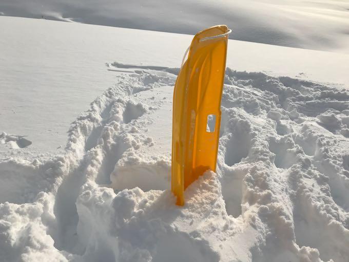 雪遊び用ソリ