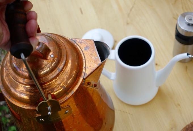 グランマーコッパーケトルでお湯を沸かす