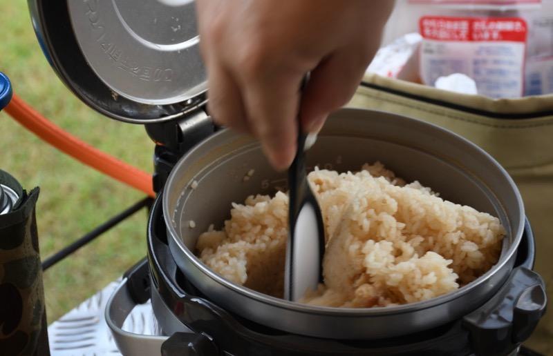キャンプ炊き込みご飯