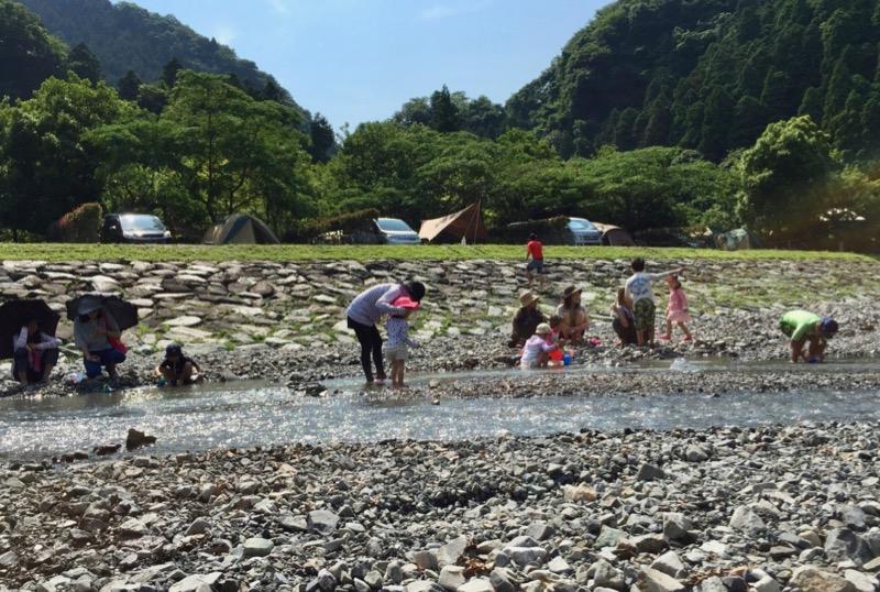 青川峡キャンピングパーク 川遊び