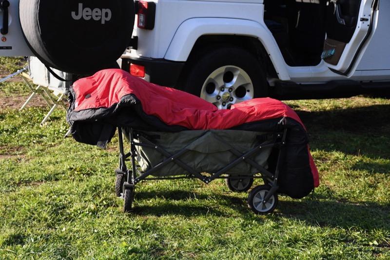 テントファクトリーキャリーワゴンは寝袋を乾かすのに便利