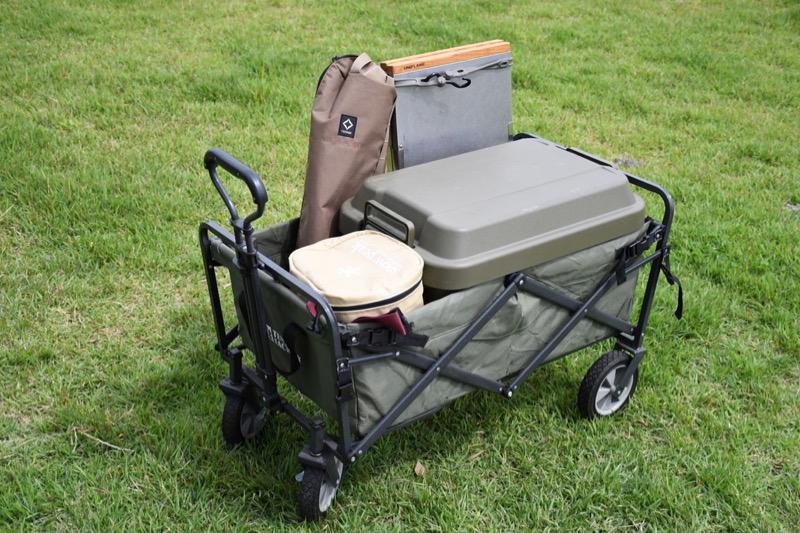 テントファクトリーキャリーワゴンは色々なキャンプ道具が入る