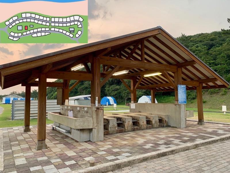 石見海浜公園キャンプ場 炊事棟