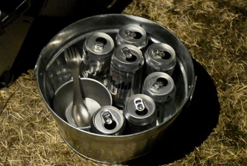 空き缶などを一時的にまとめておくのにも便利です。