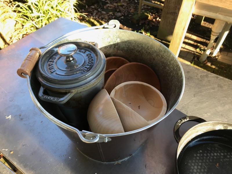 ブリキバケツは洗い物にも便利です