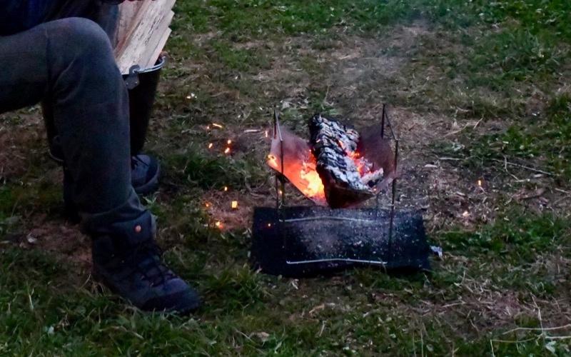 火の粉が舞うピコグリル398