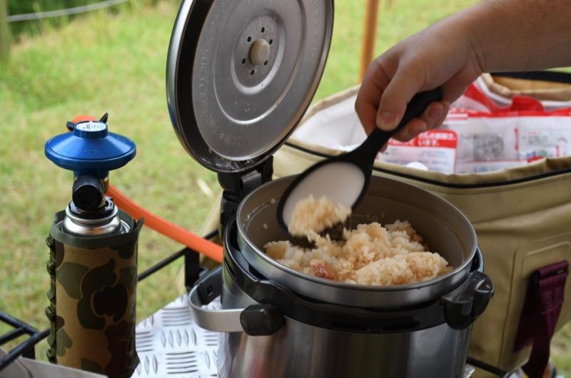 キャンプ 炊き込みご飯