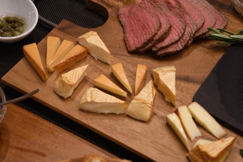 プロセスチーズとカマンベールチーズのスモーク