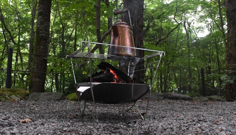 焚き火で料理も楽しめる焚き火台ラプカ