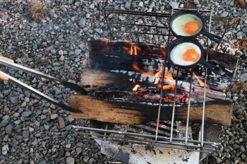 目玉焼きも作れる焚き火台ラプカ