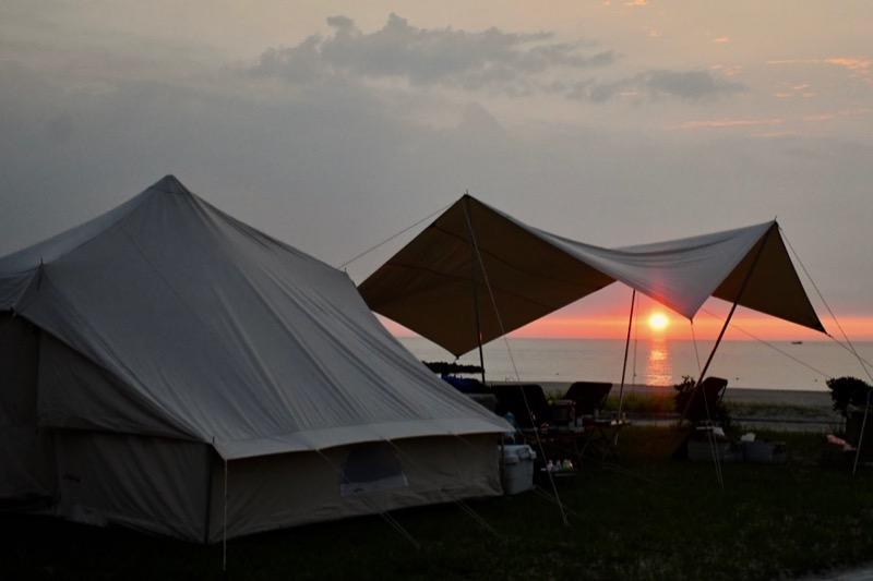 夕焼け キャンプ