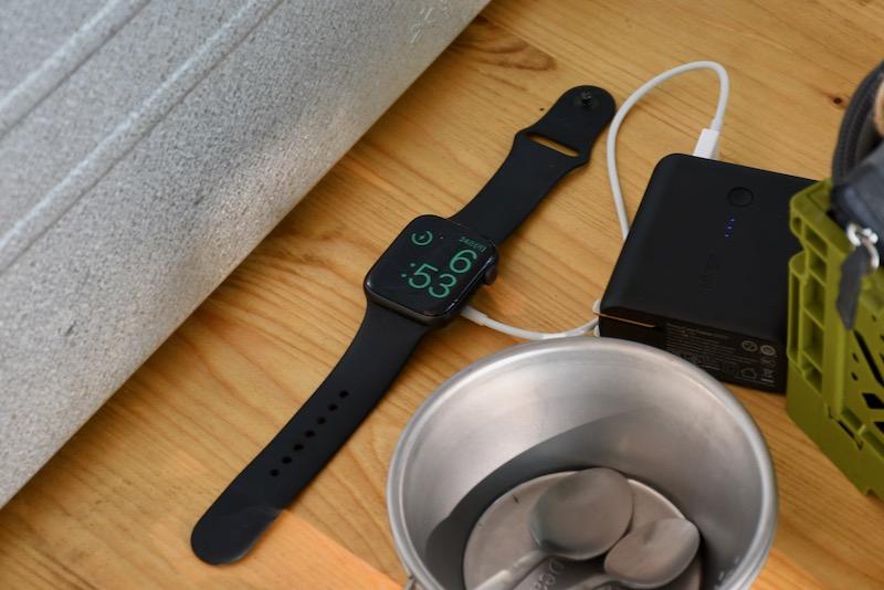 キャンプ Apple Watch 充電