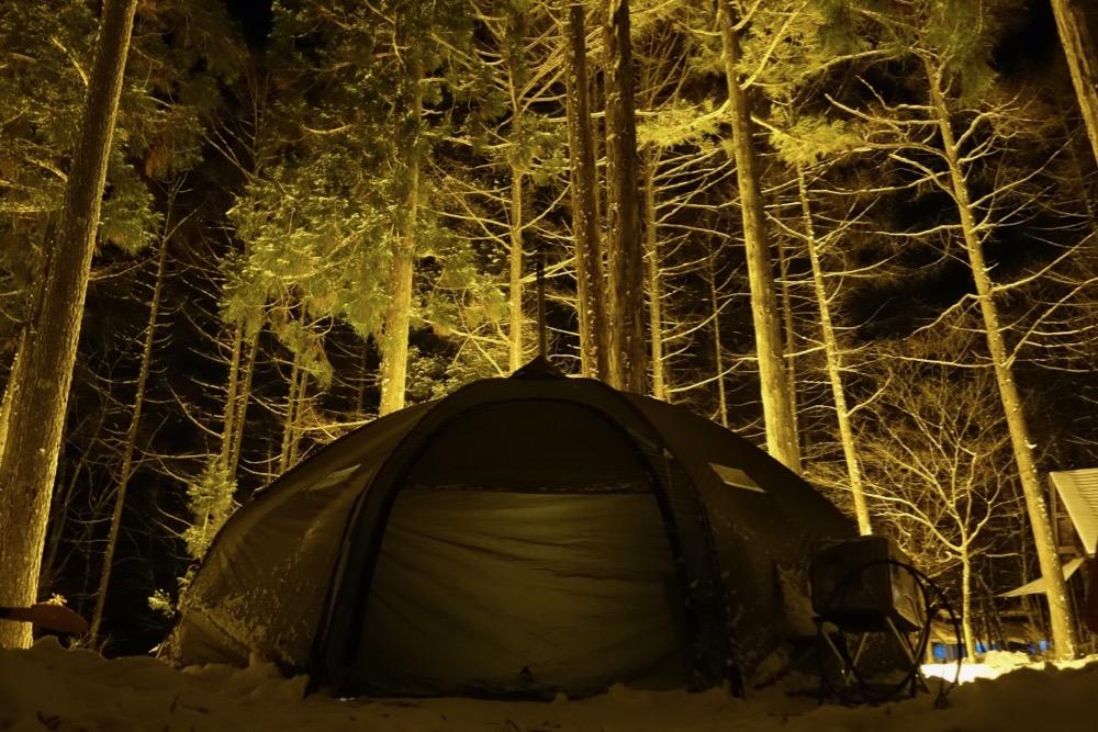 雪中キャンプ バランゲルドーム